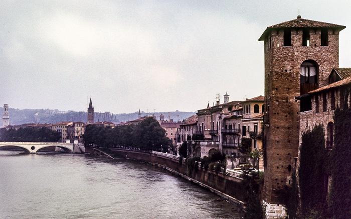 Ponte Scaligero (Skaligerbrücke): Centro Storico (Altstadt) mit Etsch (Adige), Castelvecchio Verona 1982