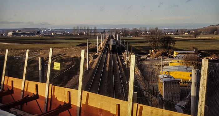 Blick von der Donaubrücke Bundesstraße B 31/33: Bahnstrecke Donaueschingen - Immendingen Donaueschingen 1983