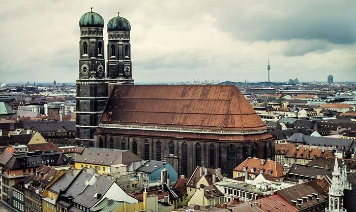 Blick von St. Peter (Alter Peter): Frauenkirche (Dom zu Unserer Lieben Frau) München 1983
