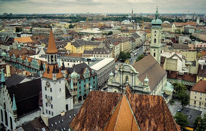 Blick von St. Peter (Alter Peter): Altstadt - Graggenauer Viertel München 1983