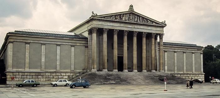 Maxvorstadt - Königsplatz (v.l.): Staatliche Antikensammlungen München 1983