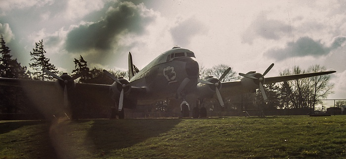 Flughafen Tempelhof: Rosinenbomber (Douglas C-54 Skymaster) Berlin 1983