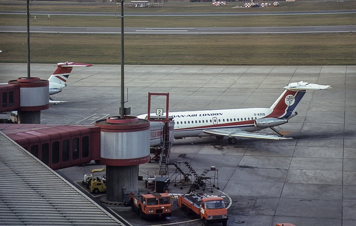 Flughafen Tegel: British Aircraft Corporation BAC 1-11-414EG One-Eleven von Dan-Air London (G-AZED) Berlin 1983