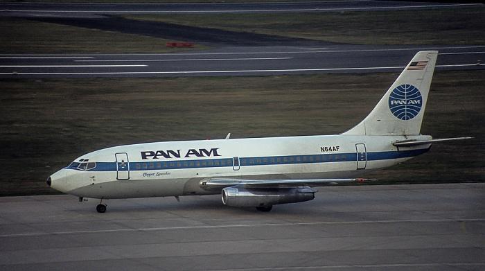 Flughafen Tegel: Boeing 737 Clipper Spandau von Pan Am (N64AF) Berlin 1983