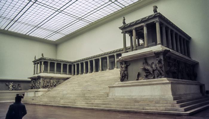 Pergamonmuseum: Pergamonaltar Berlin 1983