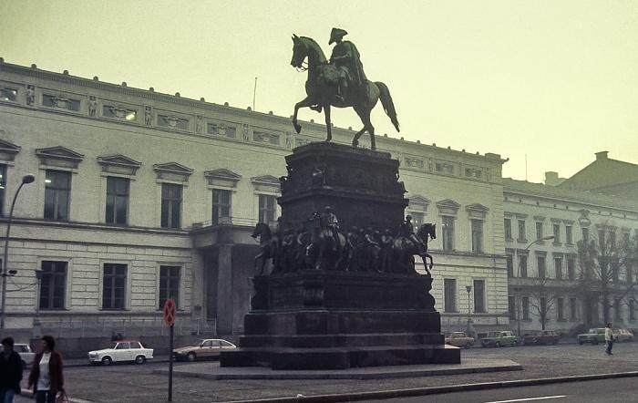 Unter den Linden: Reiterstandbild Friedrichs des Großen Berlin 1983