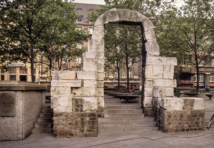 Römisches Nordtor: Seitenportal Köln 1984