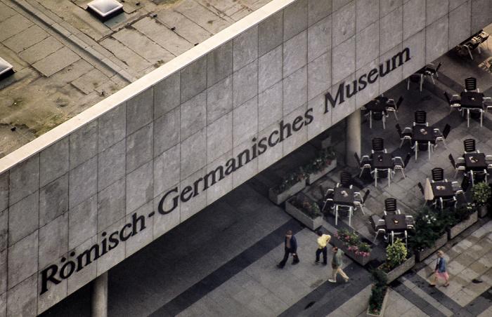 Blick vom Kölner Dom: Römisch-Germanisches Museum Köln 1984