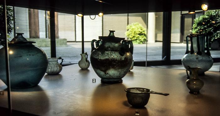 Römisch-Germanisches Museum: Glasgefäße Köln 1984