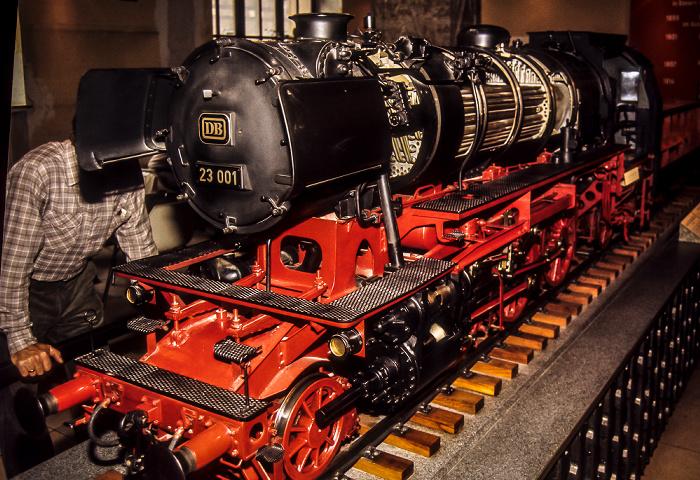 Verkehrsmuseum: Modell einer deutschen Dampflokomotive Nürnberg 1984