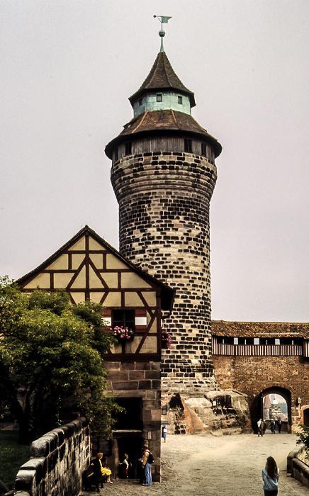 Burg: Sinnwellturm Nürnberg 1984