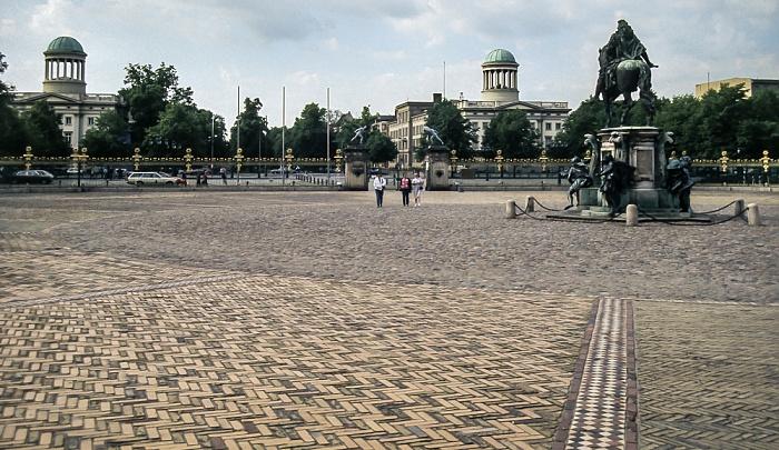 Charlottenburg: Gardekasernen des Regiments Garde du Corps (Stülerbauten) Berlin 1985