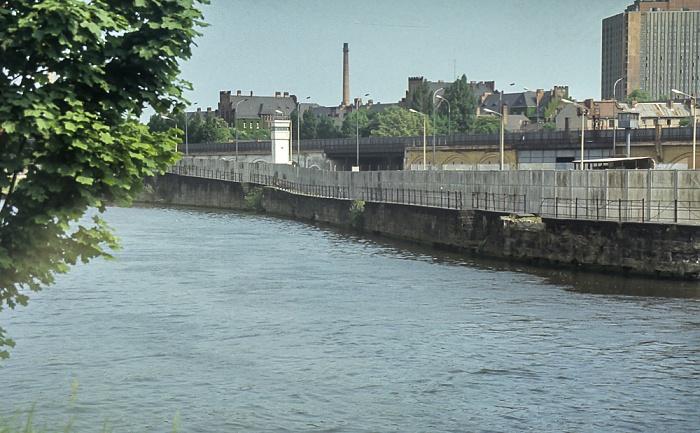 Spreebogen, Berliner Mauer mit Wachtürmen Berlin 1985