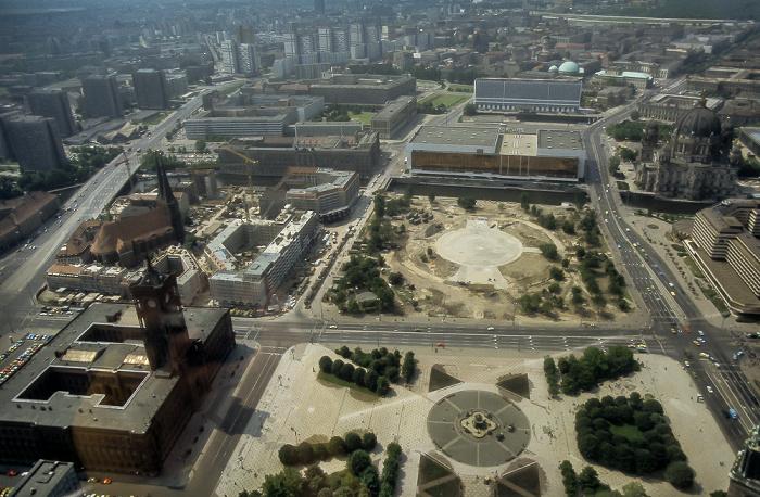 Blick vom Fernsehturm: Bezirk Mitte Berlin 1985