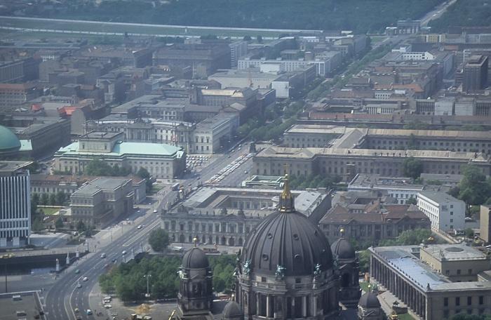 Blick vom Fernsehturm: Mitte - Unter den Linden Berlin 1985