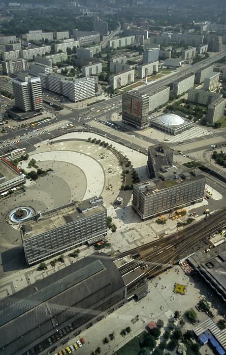 Blick vom Fernsehturm: Alexanderplatz Berlin 1985
