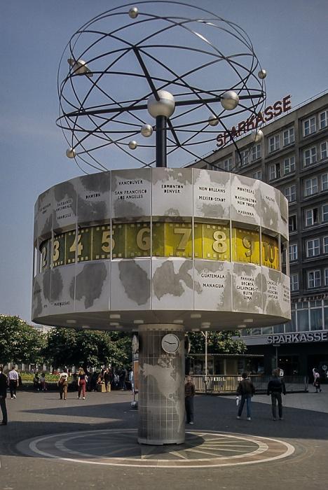 Mitte: Alexanderplatz - Urania-Weltzeituhr Berlin 1985