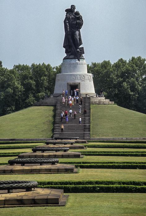 Sowjetisches Ehrenmal im Treptower Park Berlin 1985
