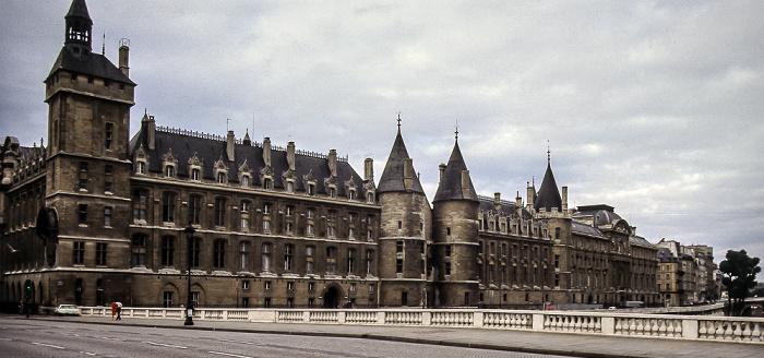 Île de la Cité: Palais de Justice Paris 1985