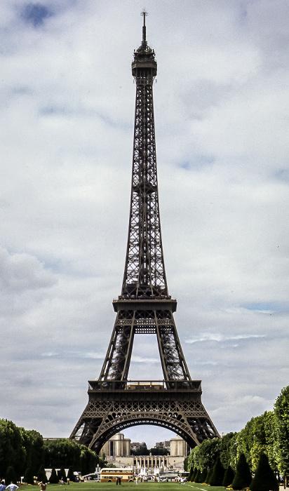 Marsfeld (Champ de Mars), Eiffelturm (Tour Eiffel) Paris 1985
