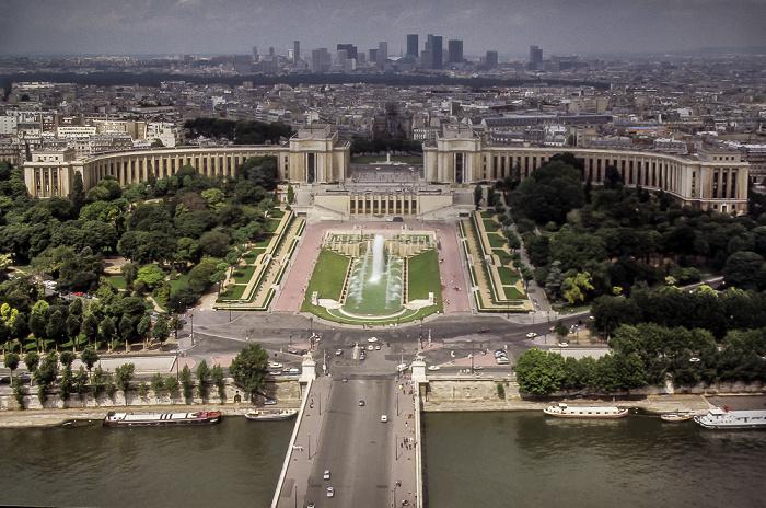 Blick vom Eiffelturm (Tour Eiffel): Seine mit der Pont d'Iéna Paris 1985