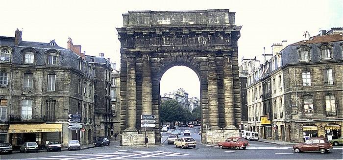 Bordeaux Place de Bir-Harkeim mit Porte de la Salinière