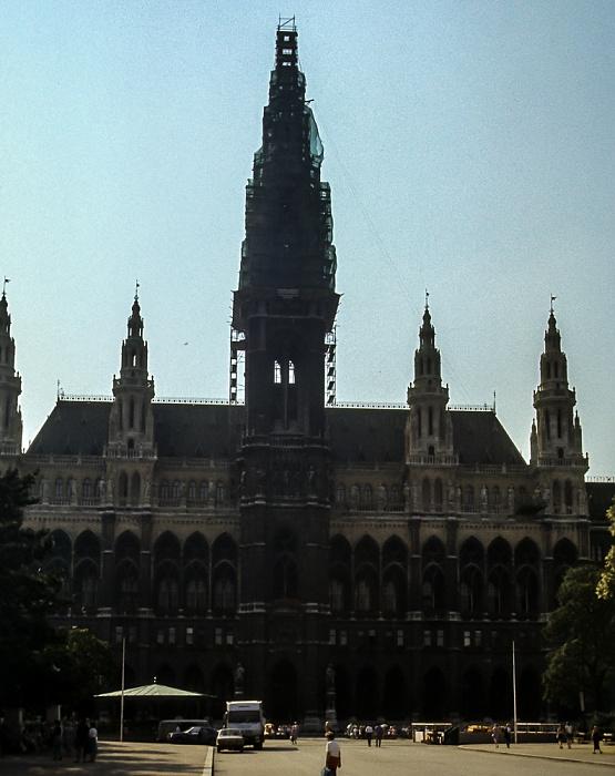 Innere Stadt: Rathausplatz, Wiener Rathaus Wien 1985