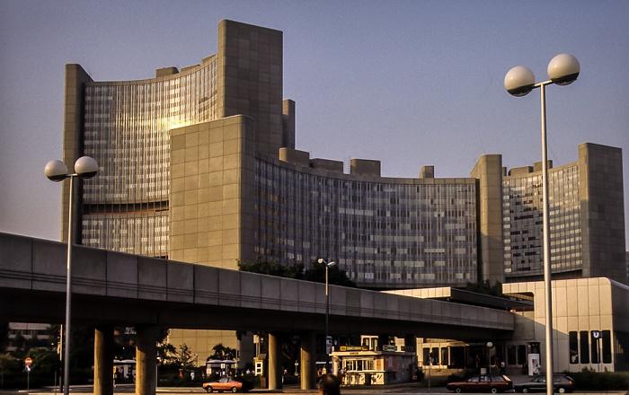 Donaustadt (XXII. Bezirk): Donau City - UNO-City mit Vienna International Centre Wien 1985