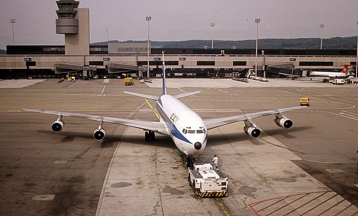 Flughafen Zürich-Kloten: Boeing 707 der El Al Zürich