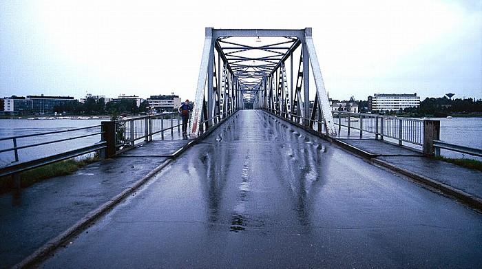 Brücke über den Tornionjoki zur Suensaari