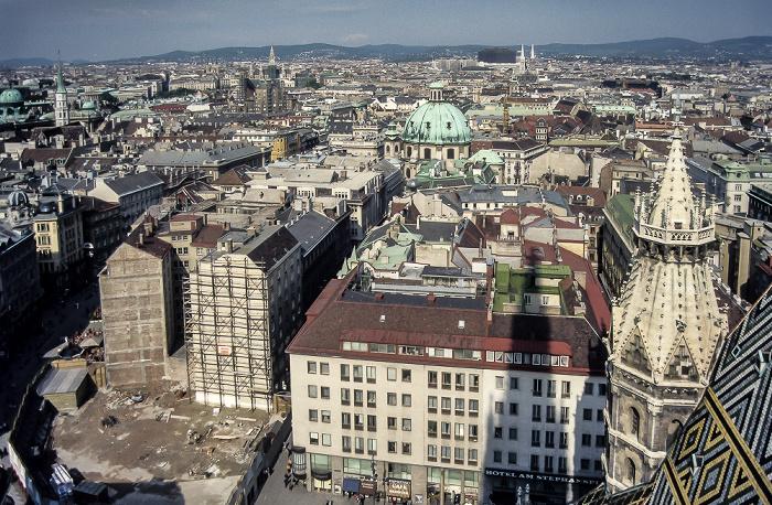 Wien Blick vom Südturm des Stephansdoms: Innere Stadt Peterskirche Votivkirche Wiener Rathaus