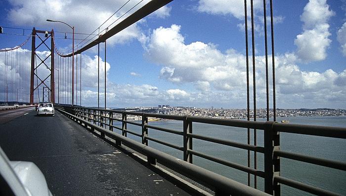 Lissabon Ponte 25 de Abril