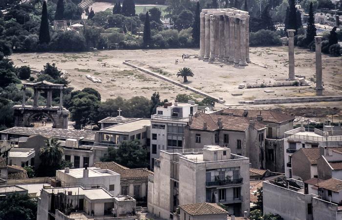 Blick von der Akropolis: Olympieion (Tempel des Olympischen Zeus) Athen 1988