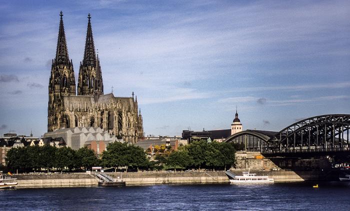 Rhein, Kölner Dom, Hauptbahnhof, Hohenzollernbrücke Köln 1988