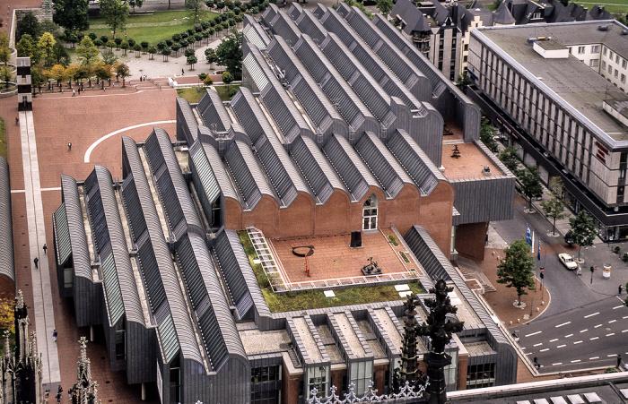 Blick vom Kölner Dom: Altstadt mit Museum Ludwig Köln 1988