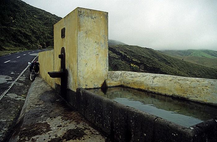 São Miguel Zwischen Ponta Delgada und Sete Cidades: Brunnen