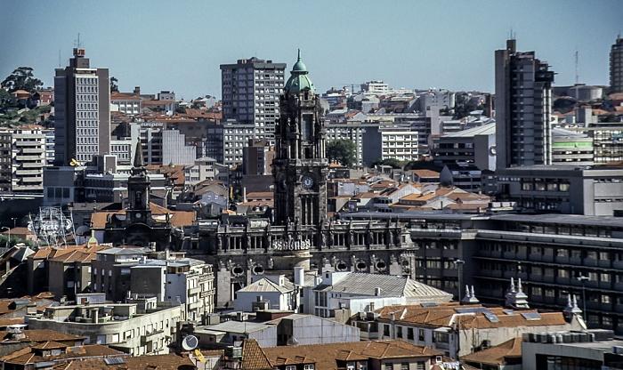 Blick vom Torre dos Clérigos: Altstadt - Câmara Municipal do Porto Porto 1992