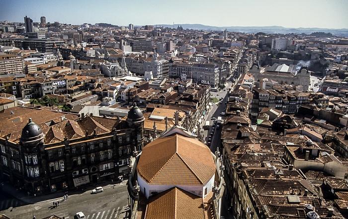 Blick vom Torre dos Clérigos: Centro Histórico - Rua dos Clérigos Porto 1992