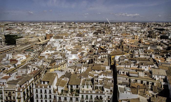 Sevilla Blick von der Giralda: Innenstadt, im Hintergrund die EXPO '92