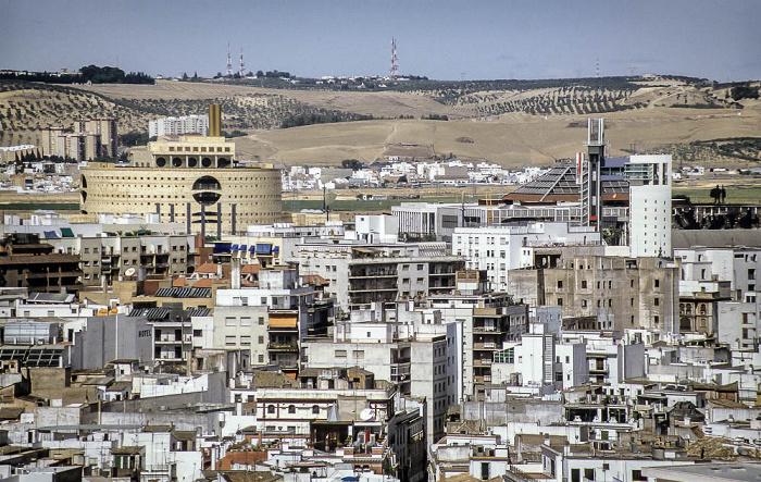 Sevilla Blick von der Giralda: EXPO '92 Gebäude der andalusischen Regierung