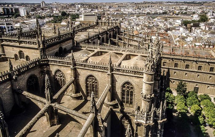 Blick von der Giralda (Kathedrale (Santa María de la Sede)) Sevilla 1992