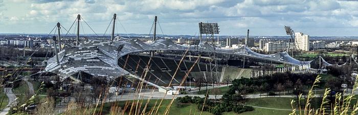 Blick vom Olympiaberg: Olympiapark mit Olympiastadion München 1992
