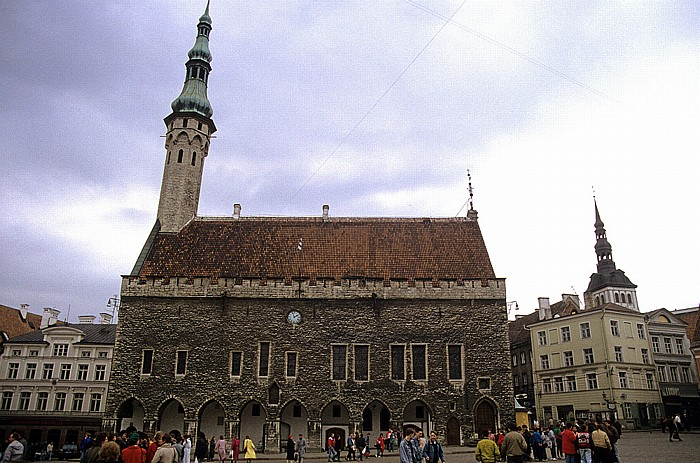 Altstadt: Unterstadt - Rathausplatz (Raekoja plats) und Tallinner Rathaus (Tallinna raekoda) Tallinn 1993