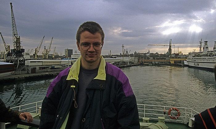 Jürgen auf Schiff im Hafen Tallinn 1993