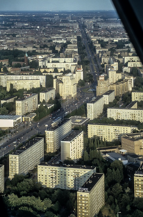 Blick vom Fernsehturm: Karl-Marx-Allee Berlin 1994