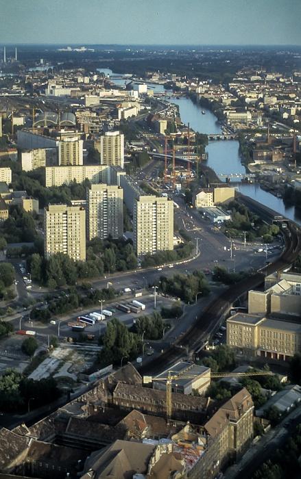 Blick vom Fernsehturm: Holzmarktstraße und Spree Berlin 1994