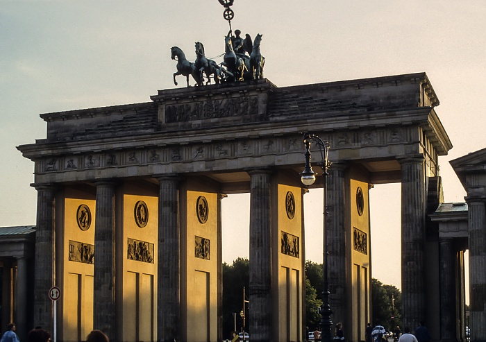 Mitte: Brandenburger Tor Berlin 1994