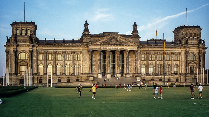 Tiergarten: Reichstagsgebäude, Platz der Republik Berlin 1994