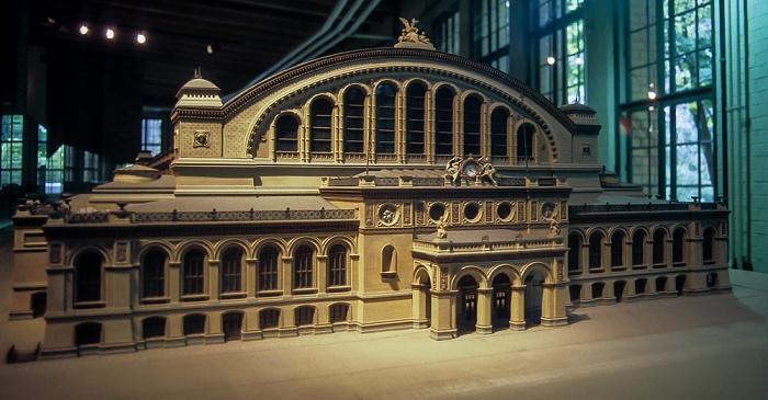 Museum für Verkehr und Technik: Modell des Anhalter Bahnhofs Berlin 1994