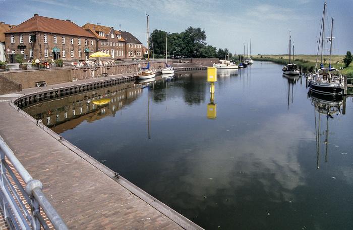 Hooksieler Binnentief (Hooksmeer): Alter Hafen Speicherhäuser